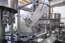 Screw capping machines