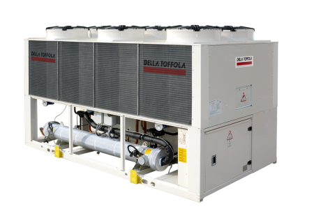 Refrigerating systems with a screw compressor RAC